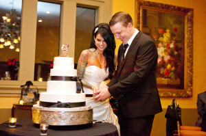 Feast at Roundhill | Bride & Groom Cake Cutting