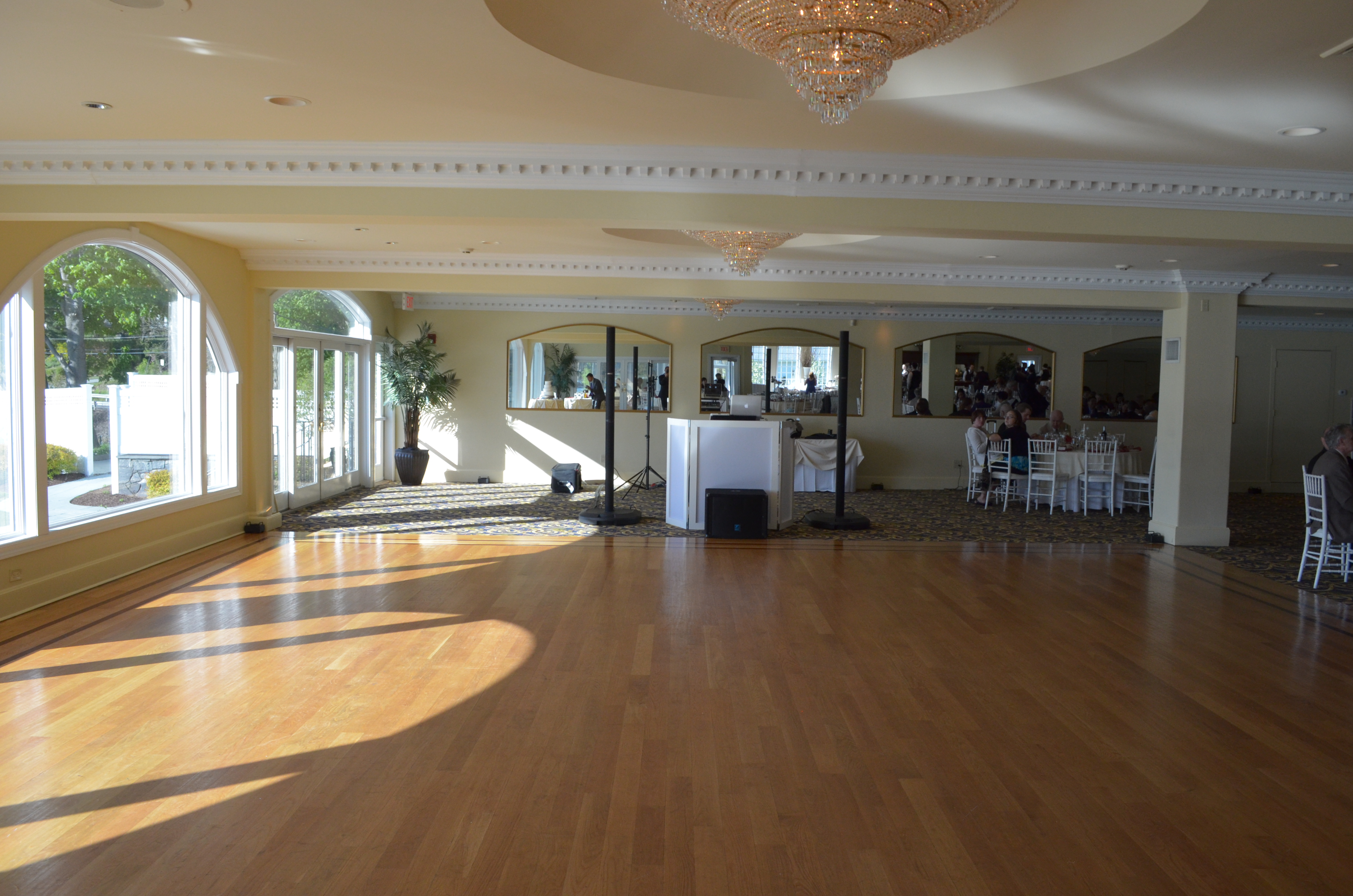 Candlewood inn a perfect blend entertainment candlewood inn a perfect blend entertainment junglespirit Image collections