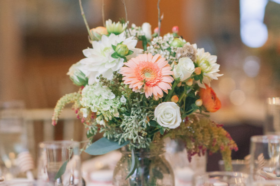 Jessica & Rich's Wedding Flowers at the Roundhill Washingtonville