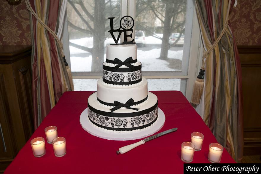 Rowsley Estate Wedding Cake
