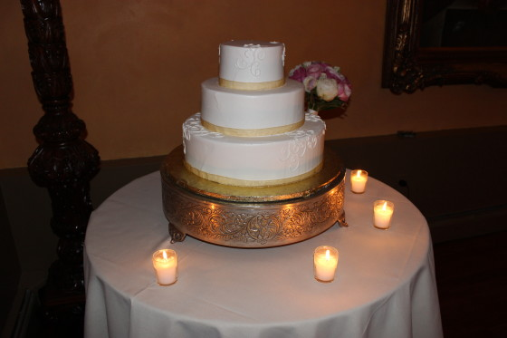 Roundhill Wedding Cake
