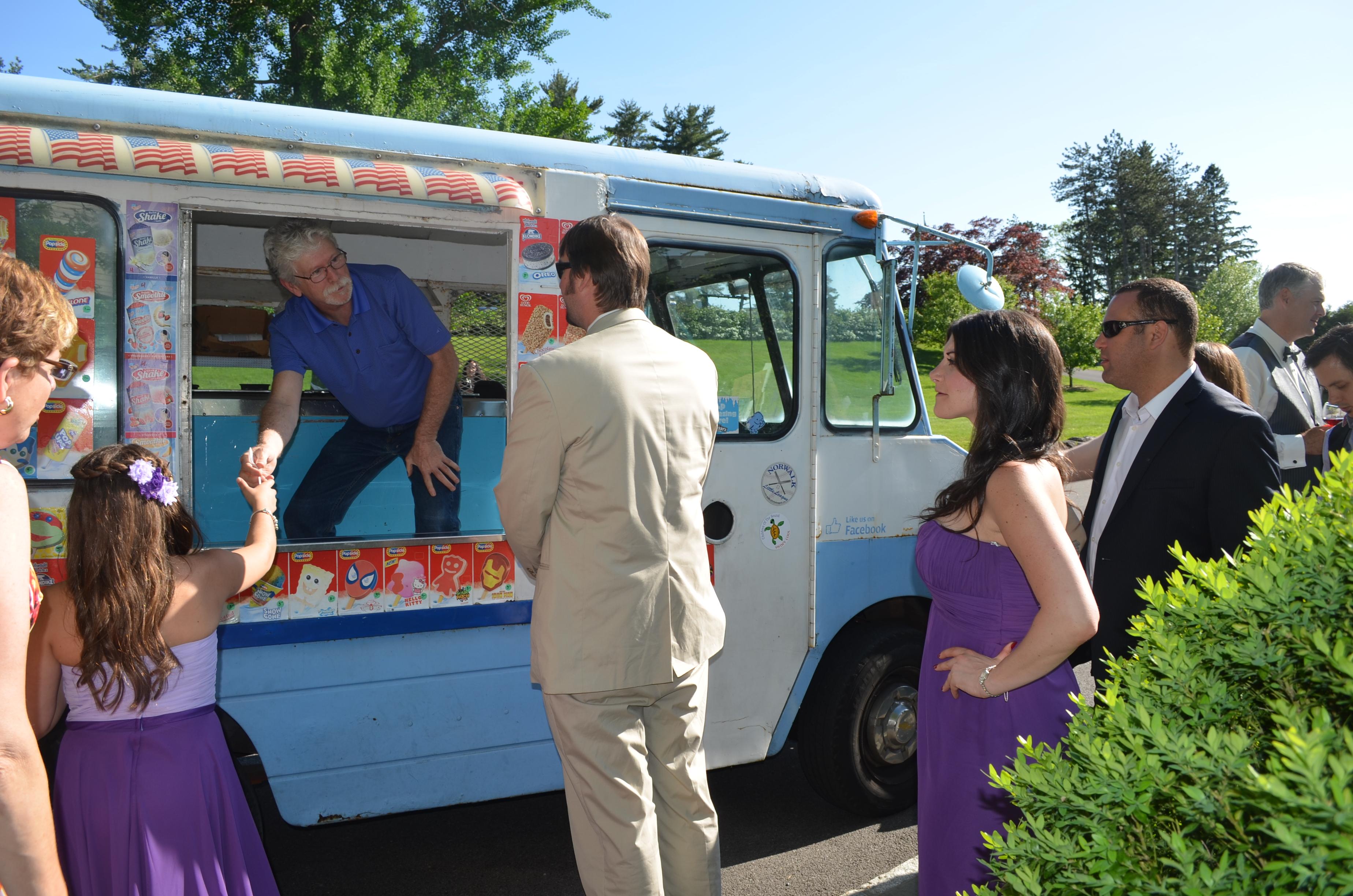 The Garrison Wedding Reception Ice Cream Truck