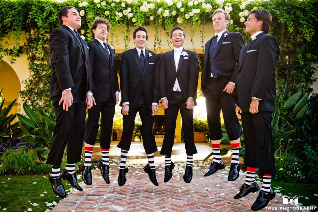 What bridesmaids groomsmen should pay for for How much should i pay for a wedding photographer